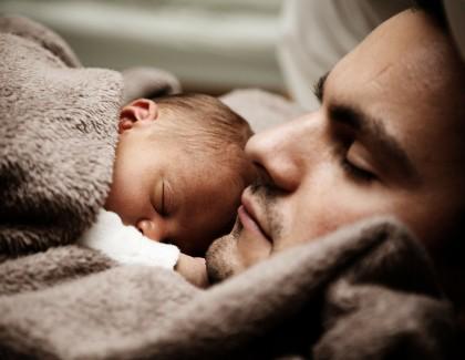 Les hommes ont-ils un instinct paternel ?