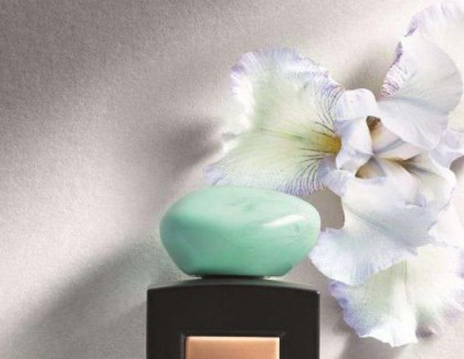 Iris Céladon,  l'eau parfumée signée Armani
