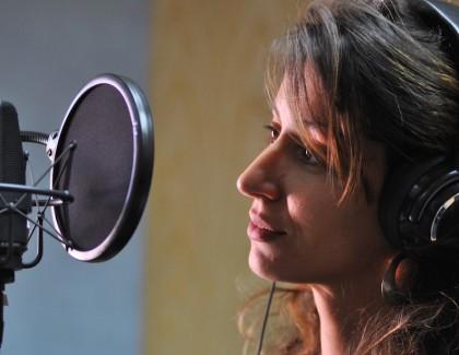 Ghizlane El Merzougui, la Voix de l'ONCF